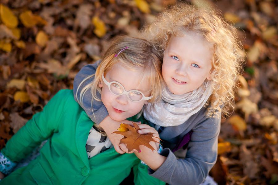 jesienna sesja dzieciaca 1 Jesienna sesja dziecięca   Emilka i Julka