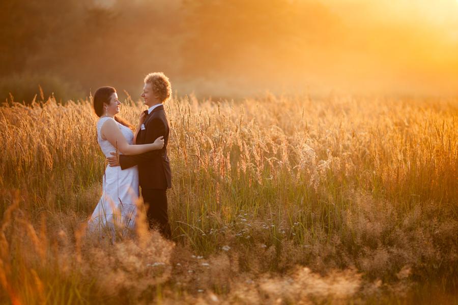 plener slubny wschod slonca; fotografia ślubna śląsk; fotografia ślubna kraków; dwóch fotograf na ślub; zdjęcia ślubne; fotograf ślubny bielsko
