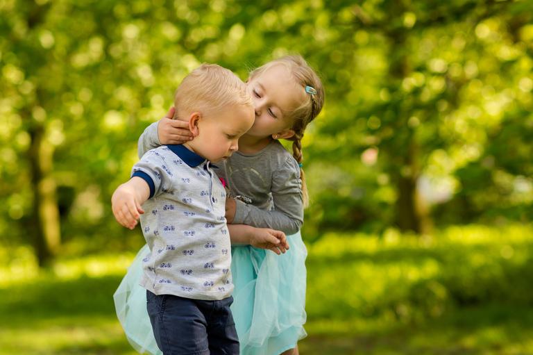 plenerowe sesje rodzinne pszczyna 04(pp w768 h511) Plenerowa sesja dziecięca kuzynostwa