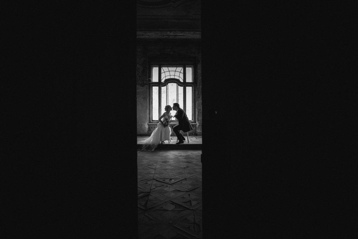 Zdjęcia ślubne Śląsk, sesja slubna w Mosznej, plener slubny Moszna, sesja slubna na zamku, plener slubny w palacu, Zamek Krowiarki, Pałac krowiarki, sesja slubna w krowiarkach, fotograf na slub slask, zdjecia slubne slask, plener slubny krowiarki, www.magiaobrazu.com, fotografia slubna w Mosznej, plener slubny w Krakowie, fotograf slubny Krakow, plener w Mosznej, Zamek w Mosznej, oryginalna sesja slubna, fotograf slubny slask, sesja slubna slask, fotografia slubna, plener slubny na zamku, fotograf slubny Krakow,